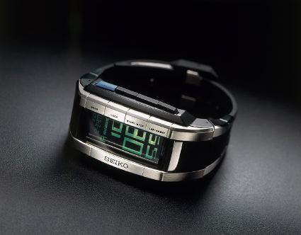 seiko_limited_edition_final_fantasy_watch_02_big[1].jpg